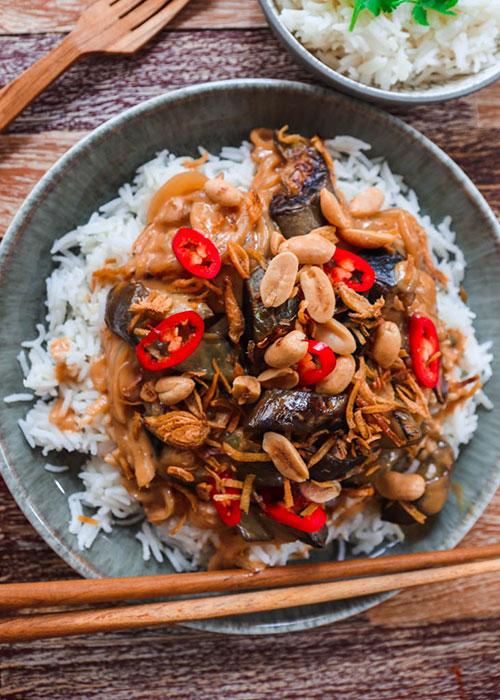 auberginen-curry-erdnuss