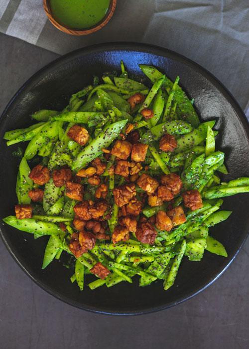 salat-gurke-apfel-chia-tempeh-spinatdressing