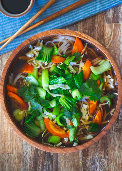 schnelle-reisnudel-suppe